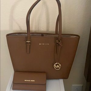 Michael Kors Jet Set travel purse